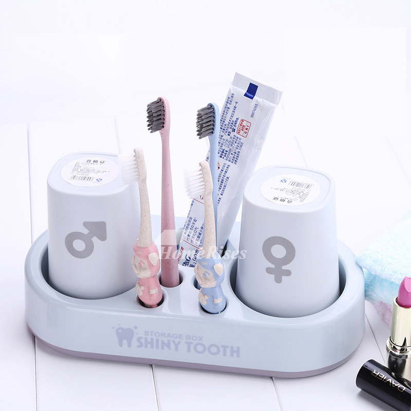 Decorative Painting Free Standing Couple Toothbrush Holder