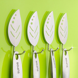 Modern 4 Pcs Leaf Shaped No Drill Hook Bathroom