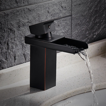 Black Bathroom Faucet