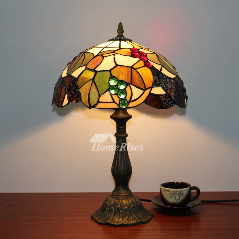 Tiffany Style Table Lamp Beautiful Vintage Stained Glass