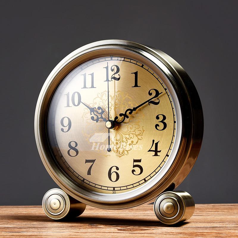 . Simple Creative Clock Ornaments Quiet Desk Clock Living Room Small